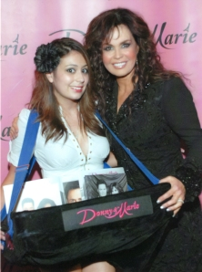 Hannah Easley with Marie Osmond at Flamingo Show