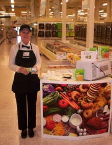Kidfresh-Sampling-event-at-Publix-792x1024
